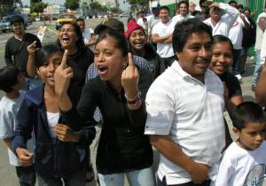 Illegal Aliens Flip U.S. off